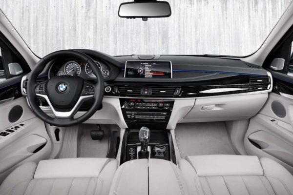 2016-BMW-5-Series-GT-eDrive-interior