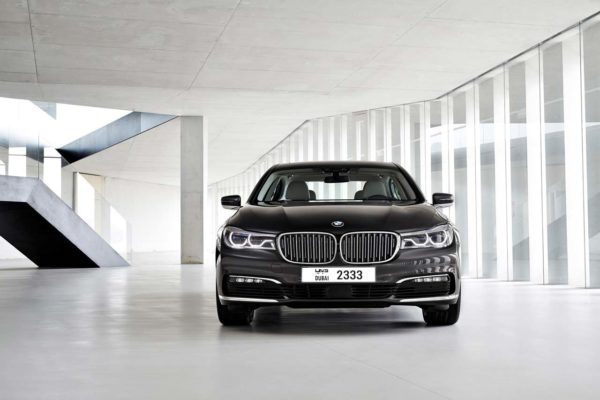 2016-BMW-7-Series-Image-01