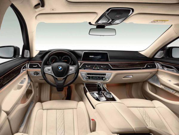 2016-BMW-7-Series-interior
