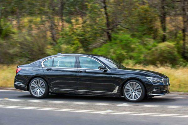 2016-BMW-740Li-side