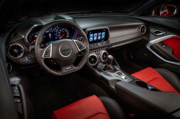 2016-Chevrolet-Camaro-interior-view1
