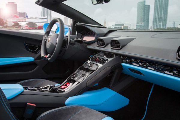 2016-Lamborghini-Huracan-Spyder-interior-92