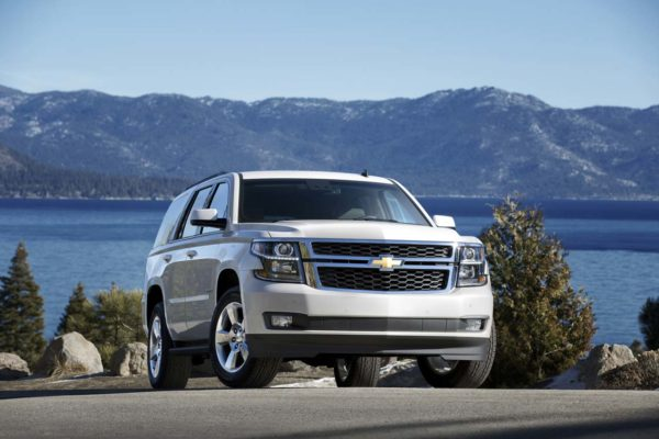 2016-chevrolet-tahoe-updates-detailed-hud-and-intellibeam-headlamps-included-photo-gallery_5