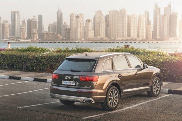Rent Audi Q7 in Dubai 2