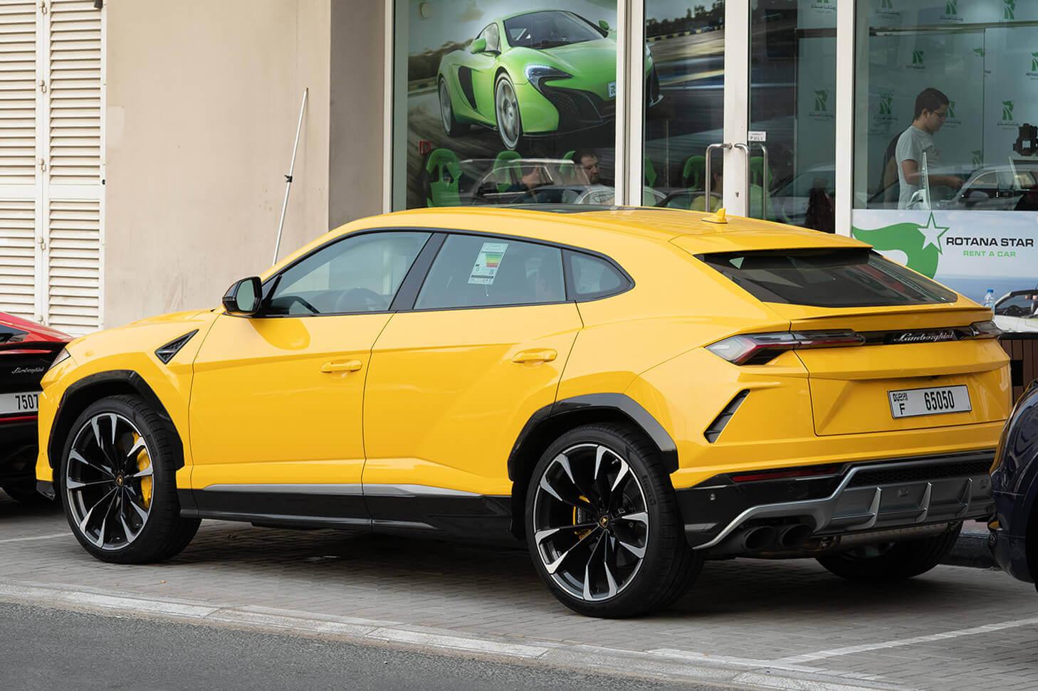 Rent Lamborghini Urus in Dubai