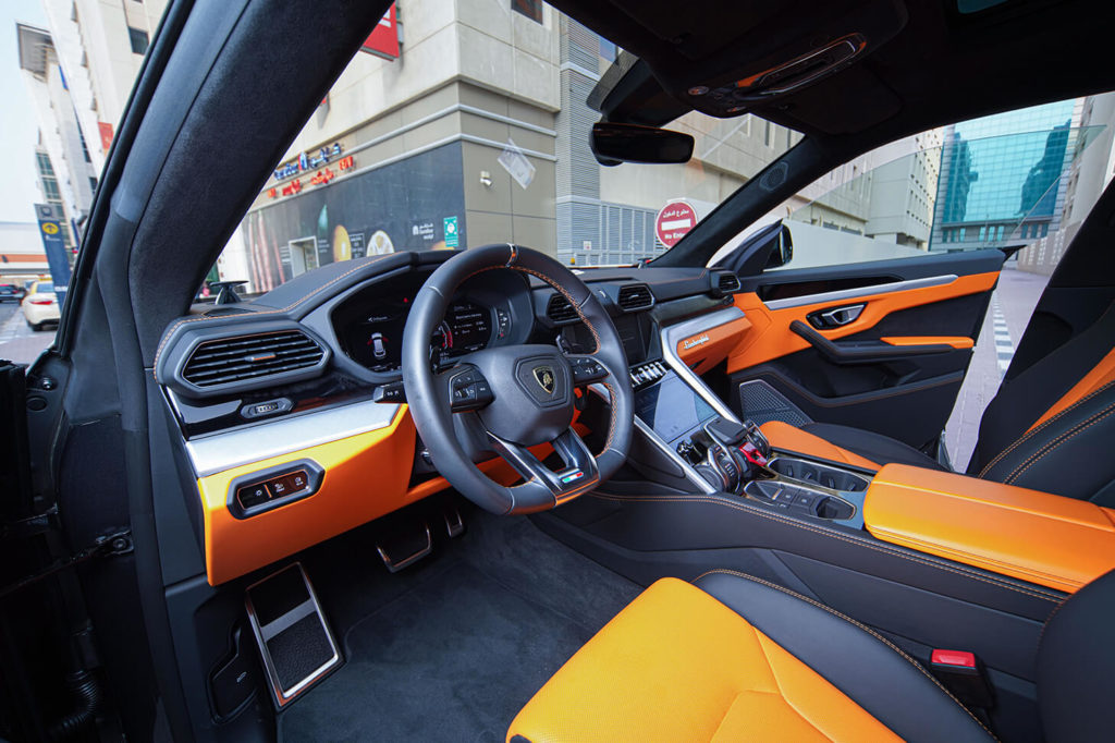 Rent-Lamborghini-Urus-in-Dubai-1458x971-gallery-3