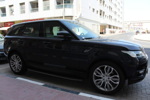 Rent-Range-Rover-Sport-2017-Preview3