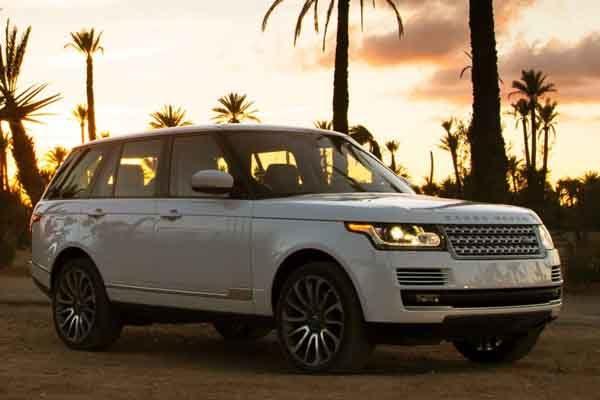Rent Range Rover Vogue 2017 in Dubai