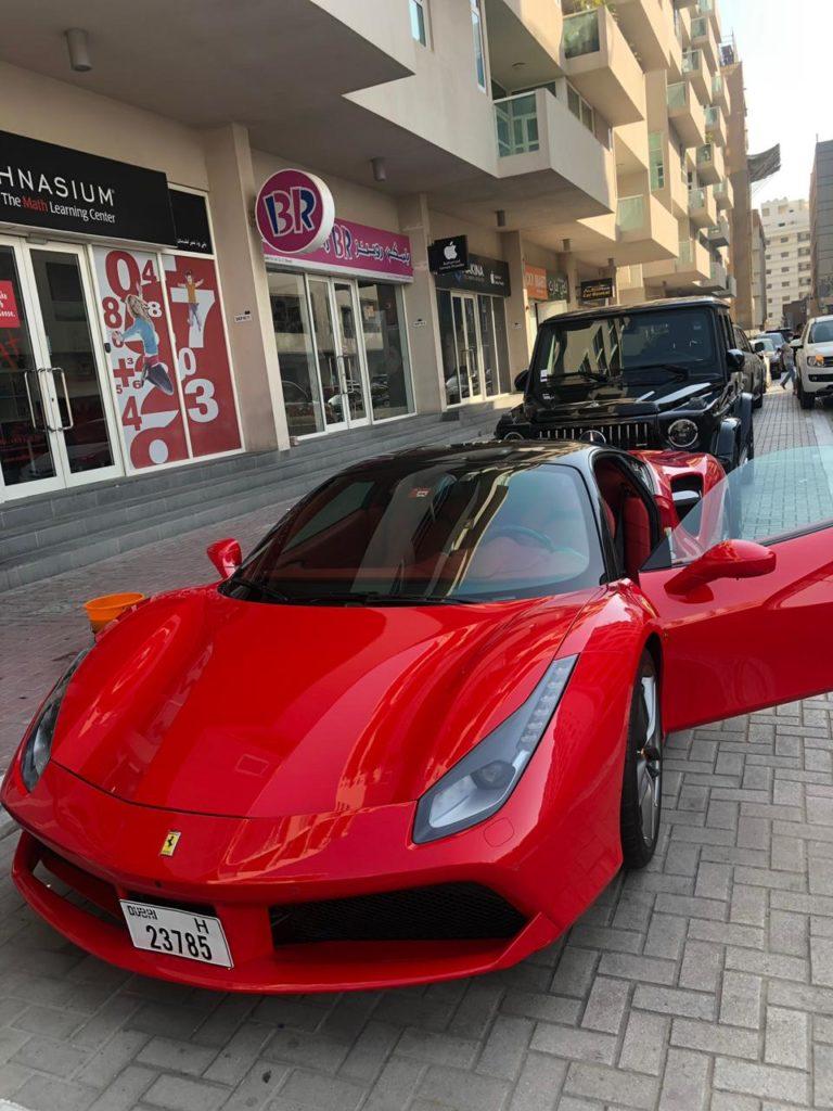 Rent_a_Феррари_488_GTB_in_Dubai_05