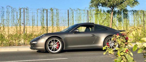 Rent_a_Porsche_911_in_Dubai_02