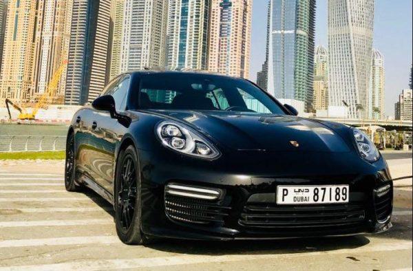 Rent_a_Porsche_Panemera_in_Dubai_01