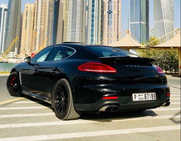 Rent_a_Porsche_Panemera_in_Dubai_02