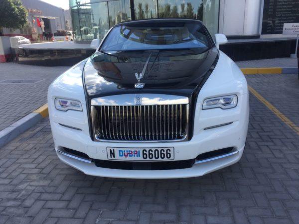 Rent_a_Rolls_Royce_Dawn_in_Dubai_01