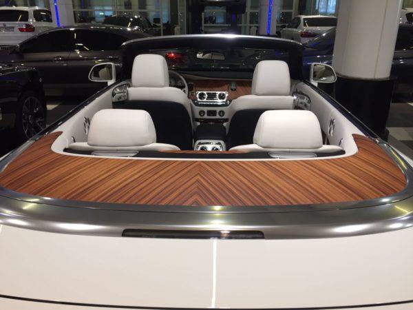 Rent_a_Rolls_Royce_Dawn_in_Dubai_03