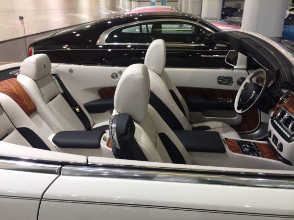 Rent_a_Rolls_Royce_Dawn_in_Dubai_06