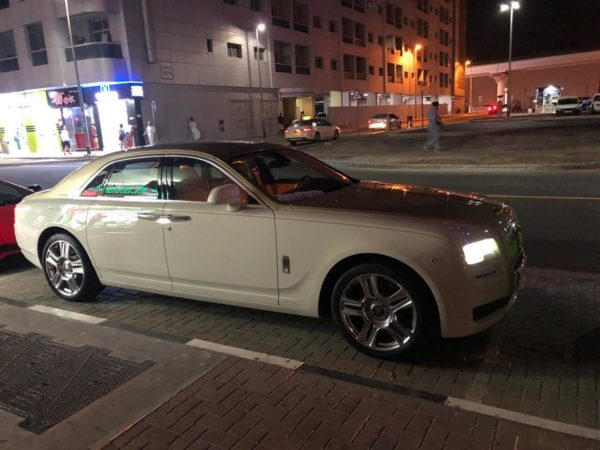 Rent_a_Rolls_Royce_Ghost_in_Dubai_03