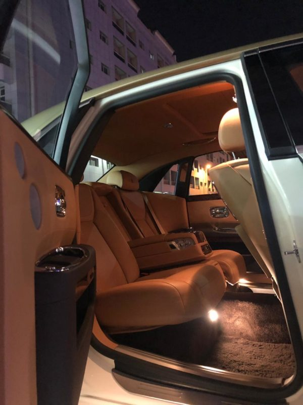 Rent_a_Rolls_Royce_Ghost_in_Dubai_04