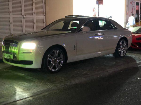 Rent_a_Rolls_Royce_Ghost_in_Dubai_05