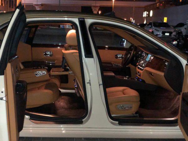 Rent_a_Rolls_Royce_Ghost_in_Dubai_06