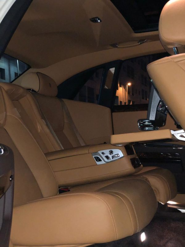 Rent_a_Rolls_Royce_Ghost_in_Dubai_07