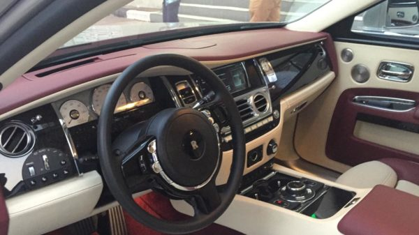 Rent_a_Rolls_Royce_Ghost_in_Dubai_11