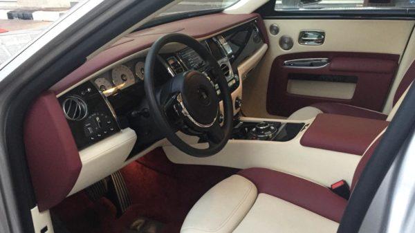 Rent_a_Rolls_Royce_Ghost_in_Dubai_14