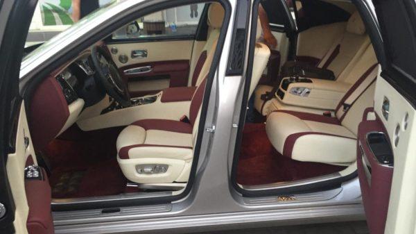 Rent_a_Rolls_Royce_Ghost_in_Dubai_15