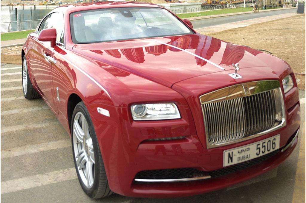 Rent_a_Rolls_Royce_Sport_Wraith_in_Dubai_01