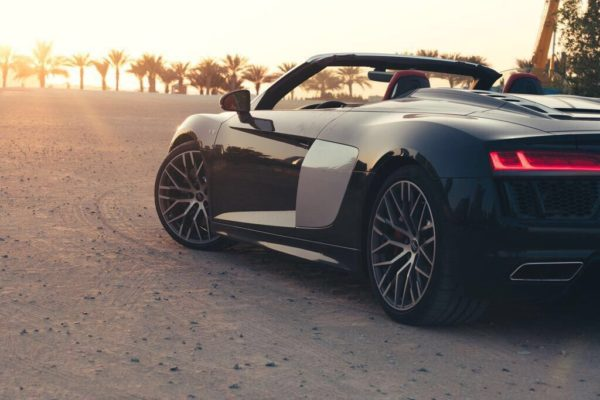 Rent_an_Audi_R8_Convertible_in_Dubai_02