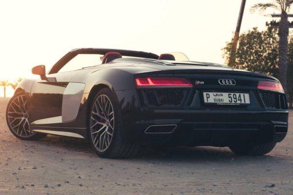 Rent_an_Audi_R8_Convertible_in_Dubai_03