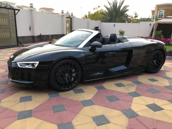 Rent_an_Audi_R8_Convertible_in_Dubai_04