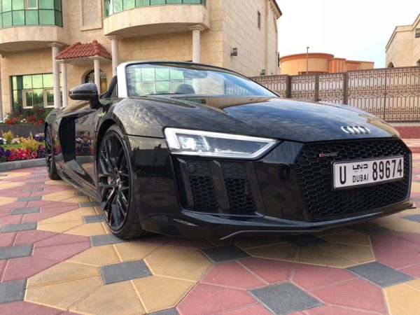Rent_an_Audi_R8_Convertible_in_Dubai_05